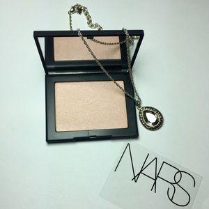 "NARS Highlighting Powder ""Capri"" 🤩"